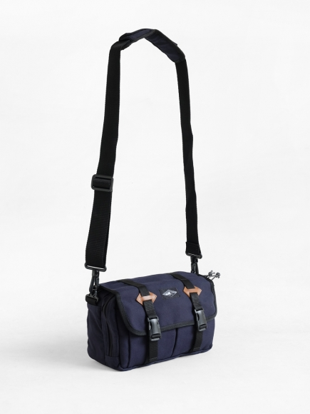 "NAVY ""ROVER"" SMALL SLING BAG"