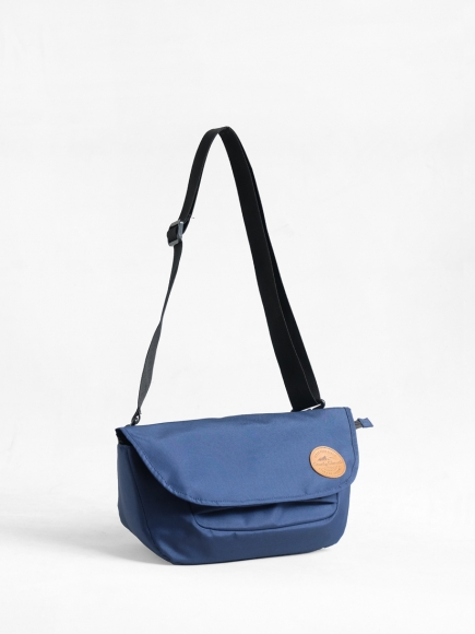 "BLUE ""PRAU"" SLING BAG"