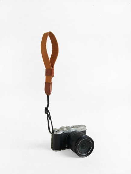 BROWN 'LEFTY' CAMERA STRAP
