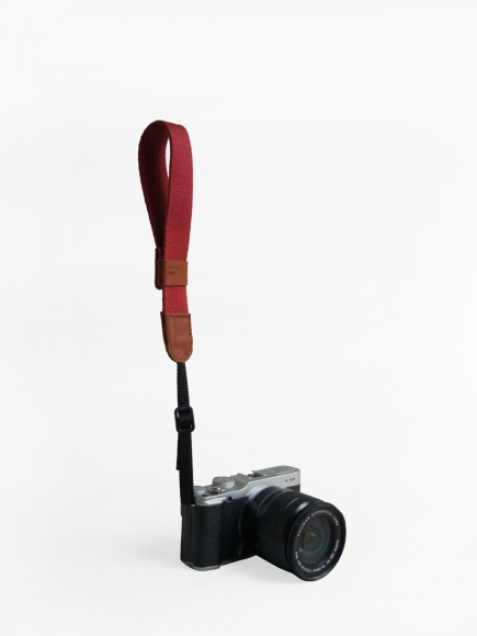 MAROON 'LEFTY' CAMERA STRAP